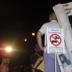 """Taranto in """"Svolta"""". Dalla parte giusta: La Legalità. Dalla parte sbagliata: Reati Ambientali, Mobbing e Corruzione. Non si puòsbagliare."""