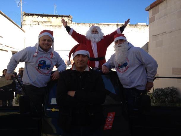 """Quelli di """"Apecar Natale"""". Fonte: Cittadini Lavoratori Liberi Pensanti, profilo Facebook"""