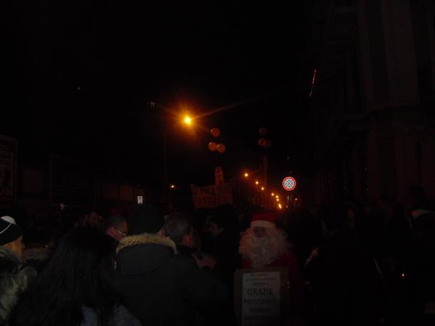 15 Dicembre 2012, Taranto Libera, Babbo Natale è un po' arrabbiato con Giorgio Napolitano