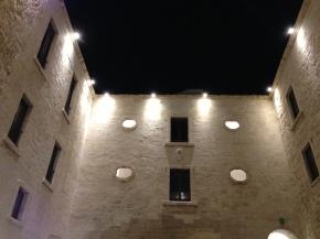Città Vecchia di Taranto, in chiaroscuro, alla ricerca dellaluminosità