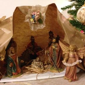 """Natale è sorridere e far sorridere. Pensieri sulle tradizioni, guardando le decorazioni di casa e riflettendo su tanti """"perché"""""""