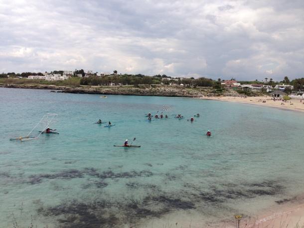 Canoa Polo, di solito si allenano, pare, in Mar Grande a Taranto