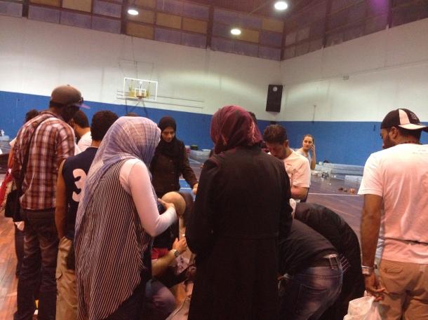 Palaricciardi, i profughi cercando qualcosa tra le donazioni dei benefattori
