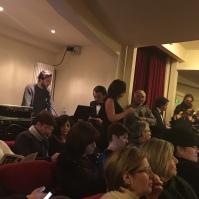 A sinistra, l'assistente alla regia, Annarita Semeraro. A destra Adriano Di Giorgio legge al microfono alcuni pensieri su questa giornata memorabile.
